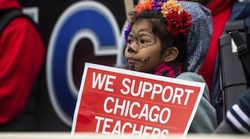 Striking Chicago Teachers Refused to Give in, Condemn Mayor's Austerity Budget
